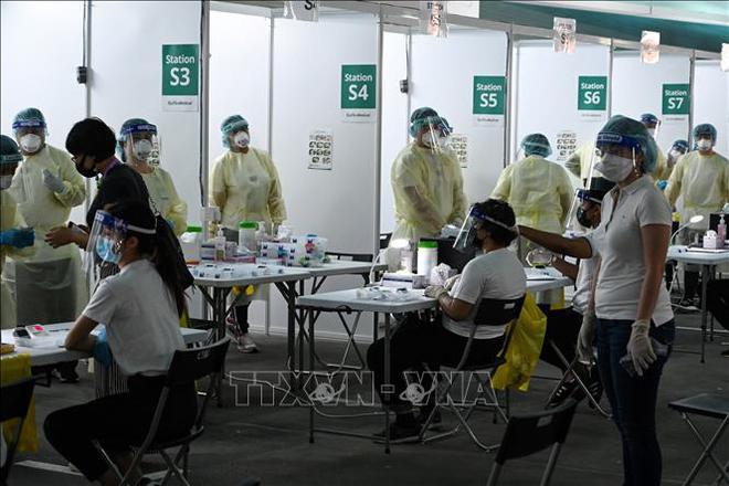 Tin vui: Hé lộ thời điểm Việt Nam có vaccine COVID-19 tự sản xuất - Láng giềng sát vách Việt Nam đạt thành tích khủng - Ảnh 1.