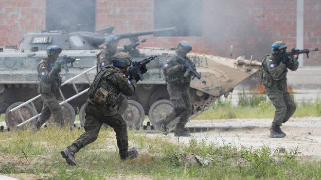Hàng nghìn tay súng vừa thoát chết khó tin, Taliban nhận ngay tin dữ ở mặt trận mới - Chần chừ thêm 1 phút, máy bay NATO đã tan xác trước tên lửa Nga? - Ảnh 1.