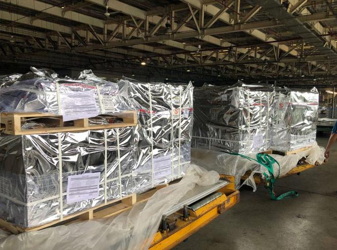 100.000 lọ thuốc đặc trị Covid-19 do Ecopark tài trợ đã về đến Việt Nam - Ảnh 1.