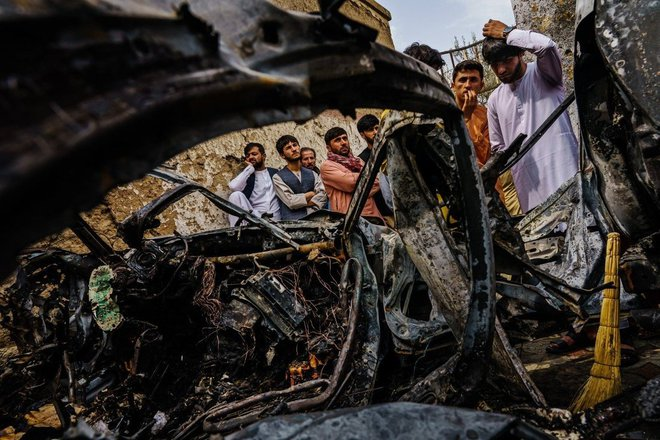NÓNG: Thảm kịch đã xảy ra ở Thủ đô Kabul của Afghanistan - Lầu Năm Góc thừa nhận sai lầm khủng khiếp! - Ảnh 2.