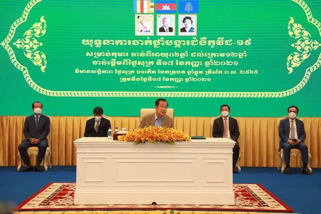 Hà Nội lập kỷ lục lớn, Việt Nam vượt cột mốc quan trọng; Ca mắc cộng đồng tăng vọt ở láng giềng sát sườn Việt Nam - Ảnh 1.