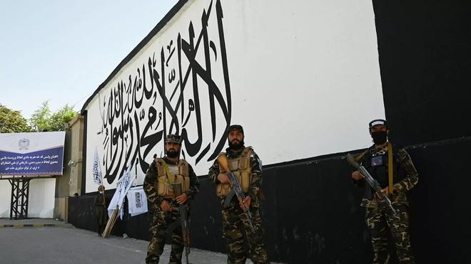 Nga giáng đòn cực mạnh ở Syria: Có kẻ phải đi ngay và luôn - Israel ra tuyên bố sốc, tướng Iran dọa nghiền nát tất cả! - Ảnh 1.