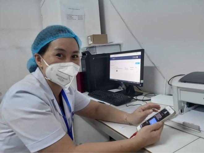 Người mẹ đặc biệt của 250 sinh viên trong tâm dịch nóng nhất cả nước - Ảnh 1.