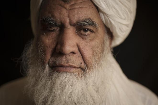 """NÓNG: Thủ lĩnh """"cụt tay, chột mắt"""" Taliban vừa phát đi tuyên bố lạnh người - Bản chất tàn độc hiện nguyên hình - Ảnh 1."""