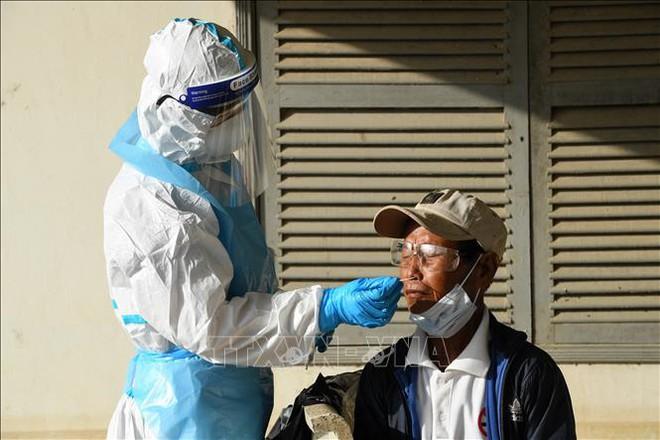 Đề nghị của Bộ trưởng Bùi Thanh Sơn về vaccine cho Việt Nam và thỏa thuận khủng chưa từng thấy với Nga - Ảnh 1.