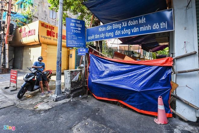 Vì sao TPHCM đề nghị Bộ Y tế xác nhận thêm 150.000 ca F0? Người dân Hà Nội đổ đi tập thể dục từ tờ mờ sáng - Ảnh 2.