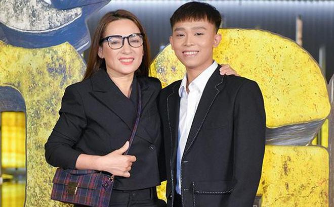 """Hồ Văn Cường bị """"tấn công"""" dữ dội vì mẹ nuôi Phi Nhung qua đời mà"""