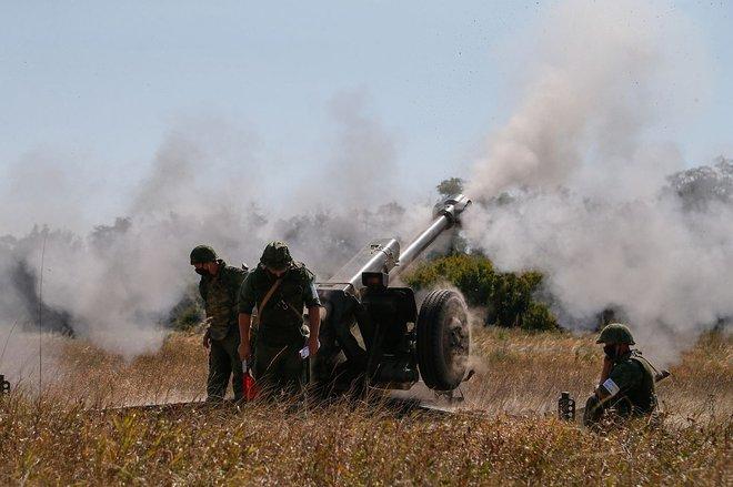 NÓNG: Tổng tư lệnh Ukraine cho phép tấn công Donbass bằng bất cứ vũ khí nào; Nước Anh đối mặt cảnh tượng đáng sợ: Quân đội sẵn sàng vào cuộc - Ảnh 1.
