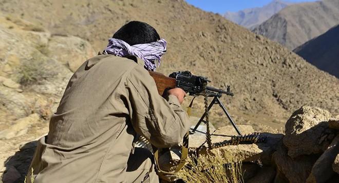 """NÓNG: 450 tay súng Taliban chết như ngả rạ, Nga lên tiếng về việc cấp vũ khí cho Kabul - Taliban ra tuyên bố """"không thể tin nổi"""" về Trung Quốc - Ảnh 2."""