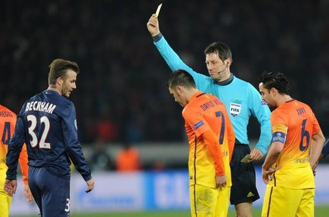 """Barca """"điên tiết"""" vì sai lầm của trọng tài"""