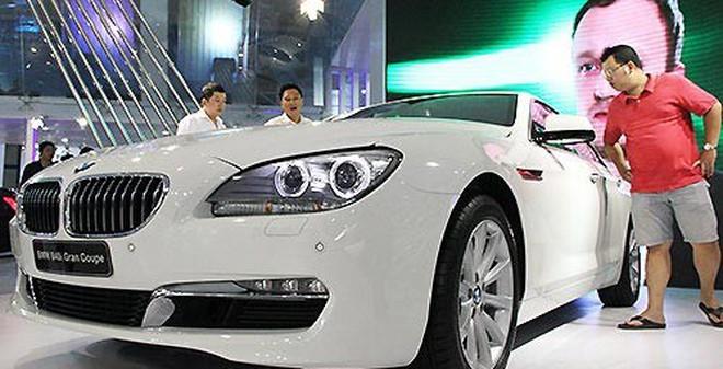 Ôtô nhập khẩu: Đắt đỏ chứng tỏ đẳng cấp