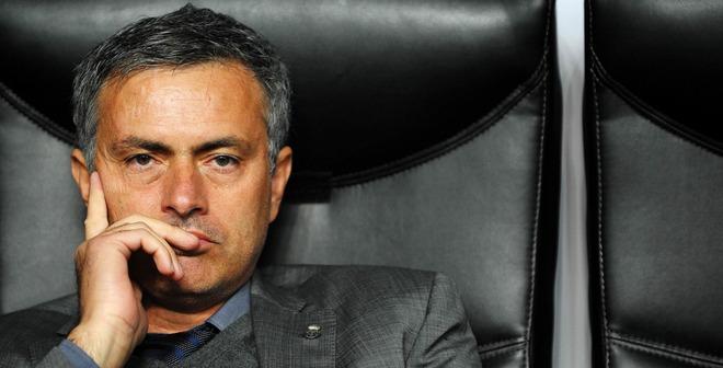 Mourinho, đừng đùa với lửa