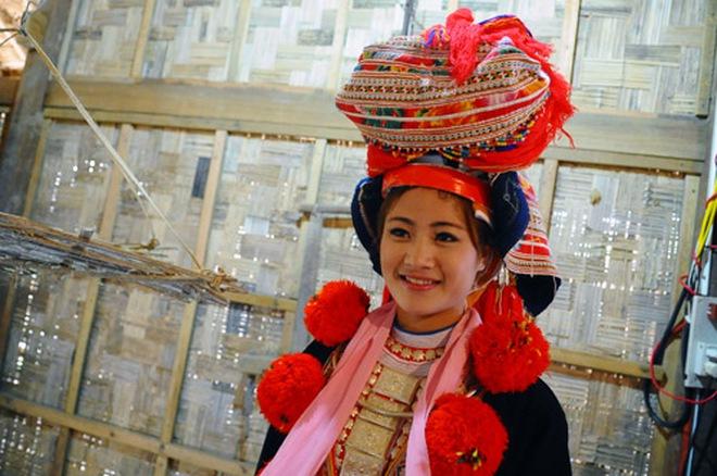 Cô dâu xinh đẹp trong lễ cưới của người Dao đỏ
