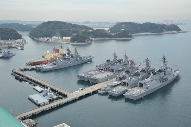 """""""Kỳ phùng địch thủ"""" của hải quân Trung Quốc"""