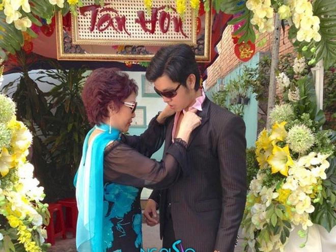 Vũ Hoàng Việt được bồ già tỷ phú chăm sóc ân cần
