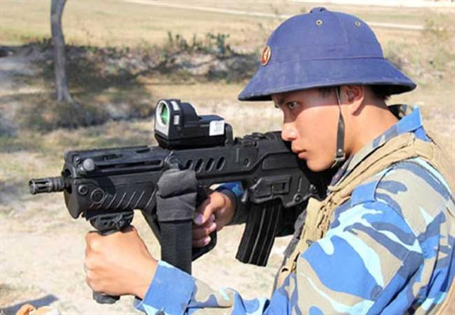 Uy lực súng Tavor TAR-21 của Hải quân Việt Nam