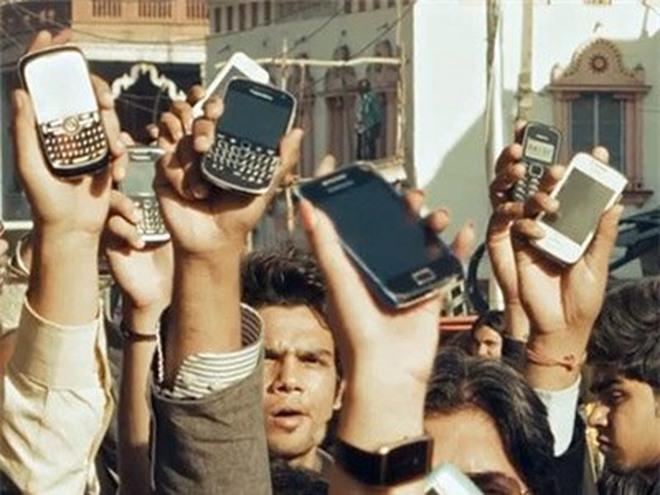 Facebook, Google, smartphone khiến con người ngày càng thô lỗ