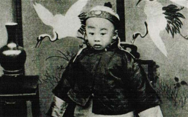 Bí mật chuyện mất ngôi của Hoàng đế Trung Quốc cuối cùng