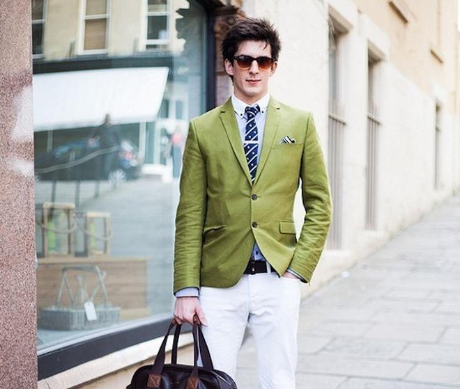 Cách trung hòa các trang phục màu sắc rực rỡ