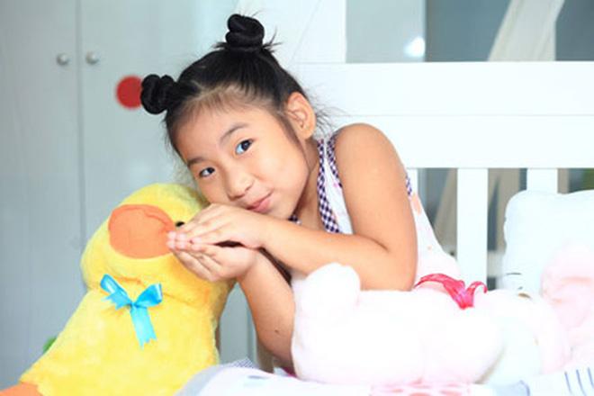 Cô bé lai Hàn Quốc gây sốt ở Đồ Rê Mí 2013