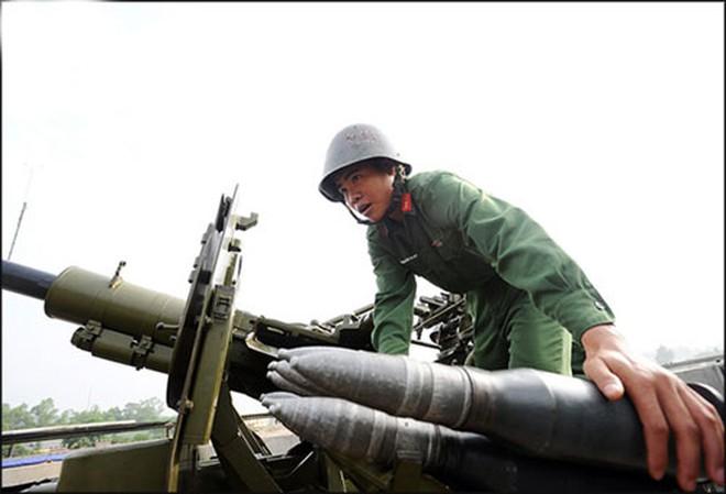 Lữ đoàn pháo cao xạ bắn rơi chiếc máy bay thứ 1.000