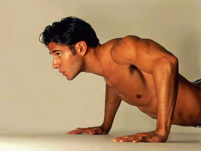 Tập cơ bắp với 5 động tác đơn giản
