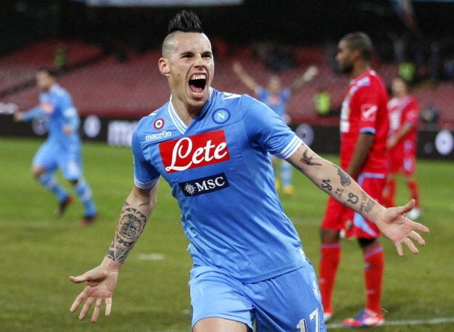 Cầu thủ của Napoli bị cướp dí súng vào đầu