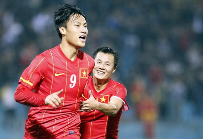 """Tính về V-League, hot boy Mạc Hồng Quân bị """"ném đá"""""""