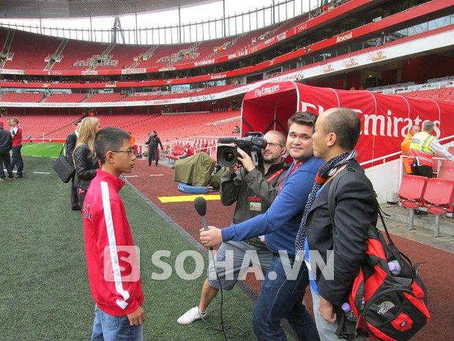 """""""Running Man 2.0"""" Đặng Văn Tiến: Em không được phép gặp các cầu thủ Arsenal"""
