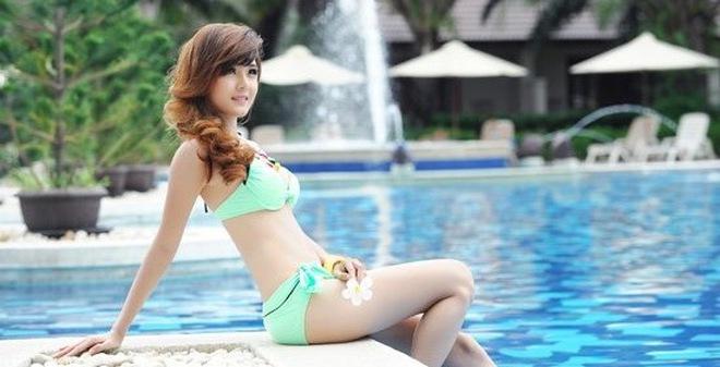 Bộ ảnh nóng bỏng ít thấy của bạn gái Bùi Anh Tuấn