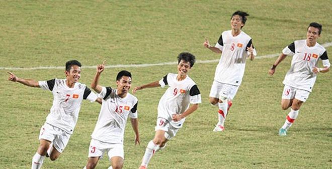 Nhức nhối bóng đá Việt Nam: Lớn lên là dở...