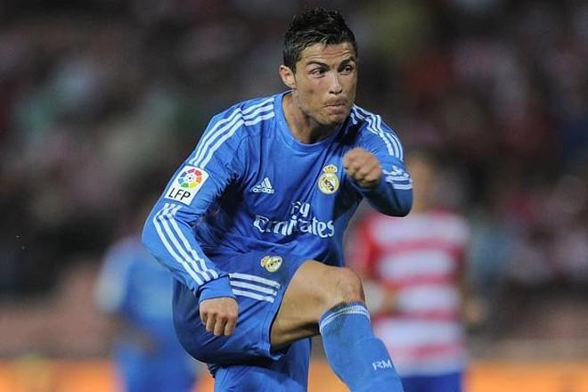 Bale đến Bernabeu, Ronaldo ngỏ ý về Man United