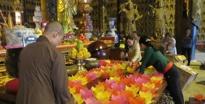Đại lễ cầu siêu cho hơn 8.000 nạn nhân TNGT tại chùa Bái Đính