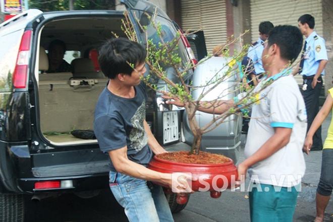 Cả Sài Gòn hối hả về nhà đón giao thừa