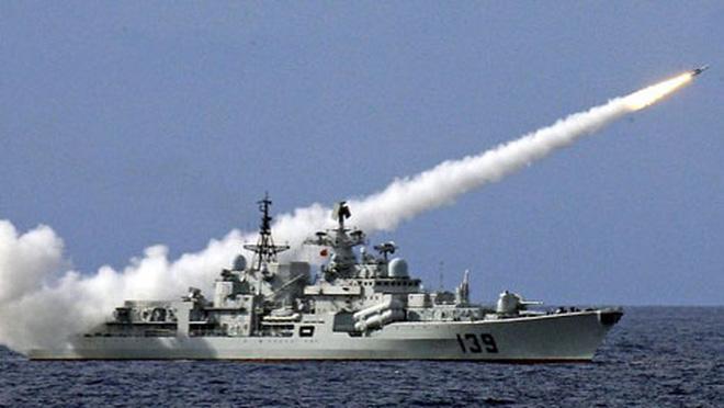 Vừa chặn tàu Mỹ ở Biển Đông, TQ lại mon men xin tập trận chung