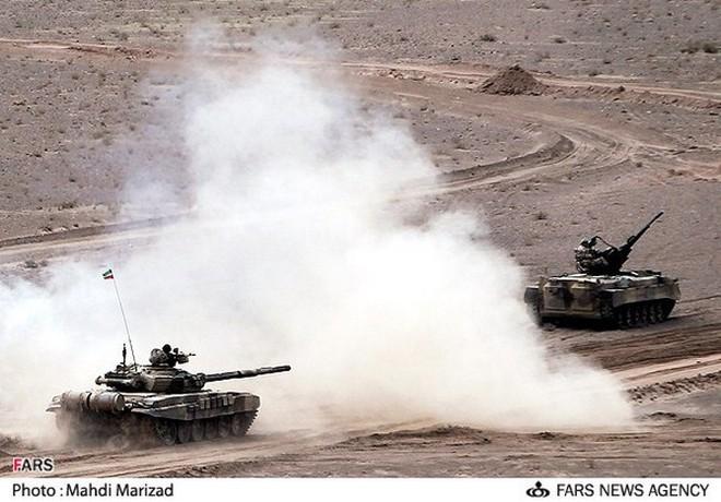 Iran bắn thử thành công 2 tên lửa chống tăng mới