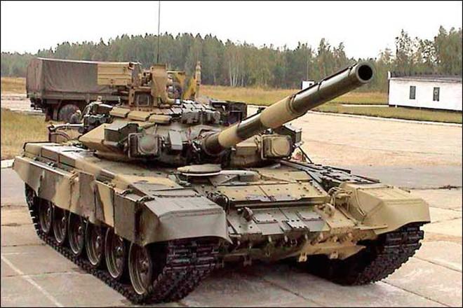 Xe tăng Nga phô diễn sức mạnh tại triển lãm IDEX-2013