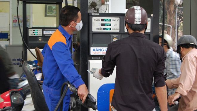 Gian lận khi bán xăng dầu có thể bị phạt tù đến 7 năm