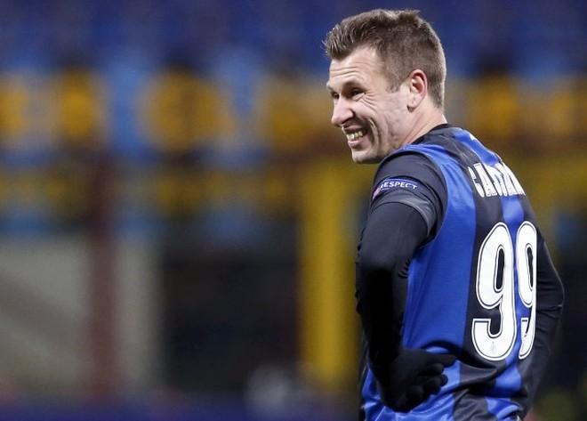 Đêm Milan cay đắng và chiến thắng của Chelsea