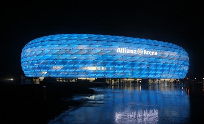 """Bayern """"chưa đi đến chợ"""" đã bán hết hàng"""