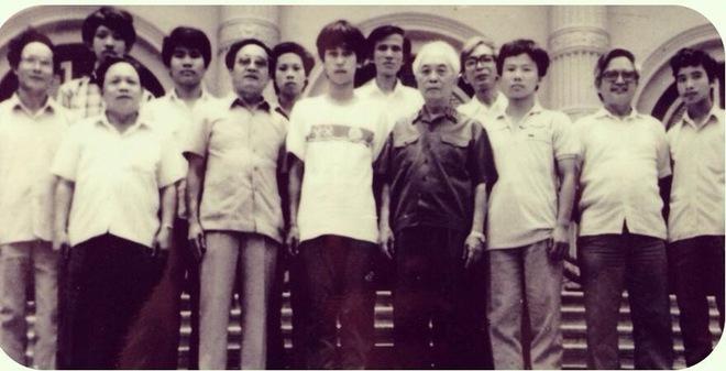 Bức ảnh hiếm: GS Ngô Bảo Châu đứng cạnh Đại tướng Võ Nguyên Giáp