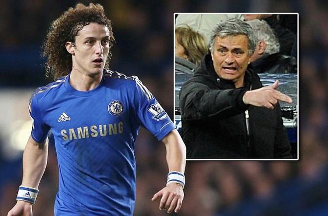 """David Luiz - """"nạn nhân"""" đầu tiên của Mourinho"""