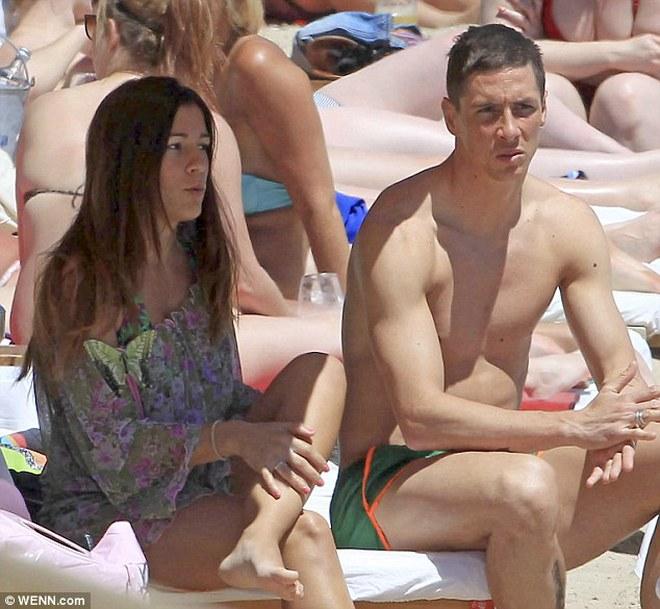 Được đi nghỉ mát nhưng Fernando Torres vẫn còn cau có
