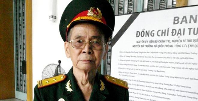 Cựu binh Trung đoàn Thủ Đô mang theo 14 ảnh chụp cùng Đại tướng