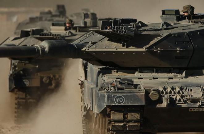 Siêu tăng Leopard 2A6 quân đội Đức khoe sức mạnh