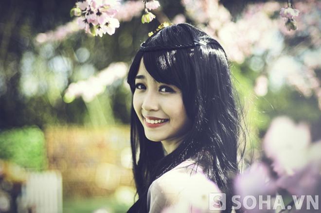 Mẫn Tiên 'đối đầu' hot girl sinh năm 1997