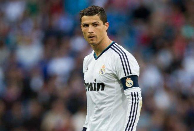 Nóng: Man United chi lương 250.000 bảng/tuần để đòi lại Ronaldo