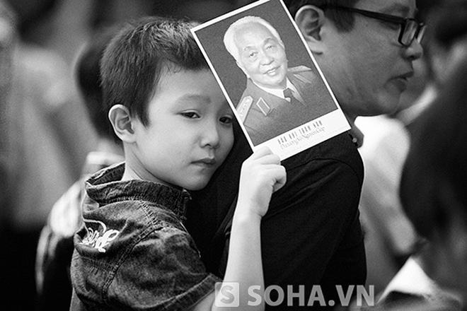 Những hình ảnh nghĩa tình tại lễ viếng Đại tướng Võ Nguyên Giáp