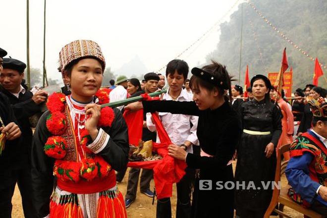 Độc đáo lễ hội cầu duyên ở Tuyên Quang