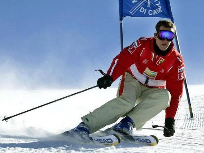 Huyền thoại Michael Schumacher vẫn trong cơn nguy kịch